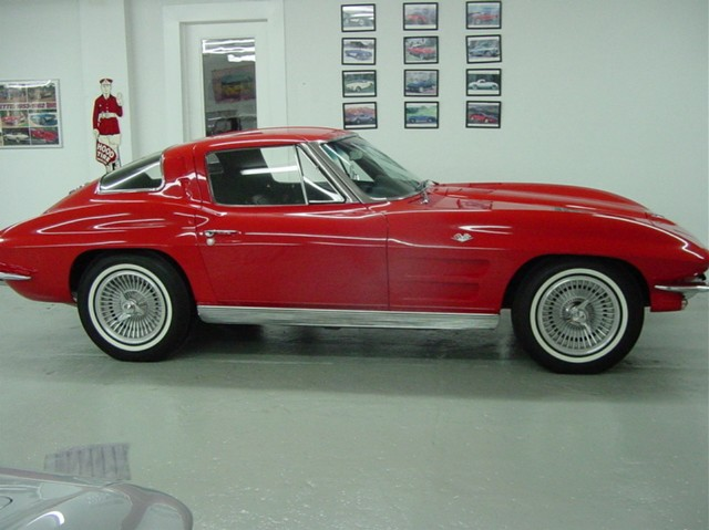 670 X 15 Bf Goodrich Silvertowns Knock Off Wheels Restoration Photo S With Car Highly Detailed Split Window Coupe